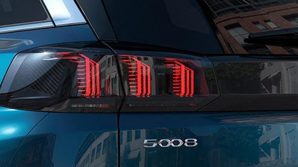/image/47/8/new-large-peugeot-5008-suv-with-7-seats-design-rear-lights.791478.jpg