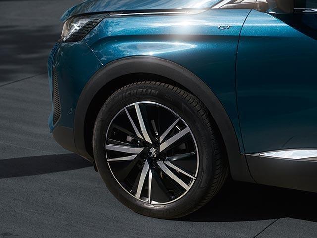 /image/49/9/new-peugeot-5008-7-seat-suv-gt-premium-pack-19-inch-alloy-wheels.791499.jpg